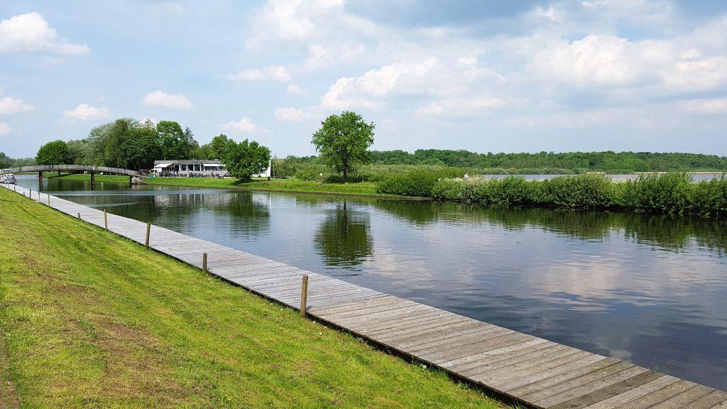 Bad Bederkesa See im Sommer