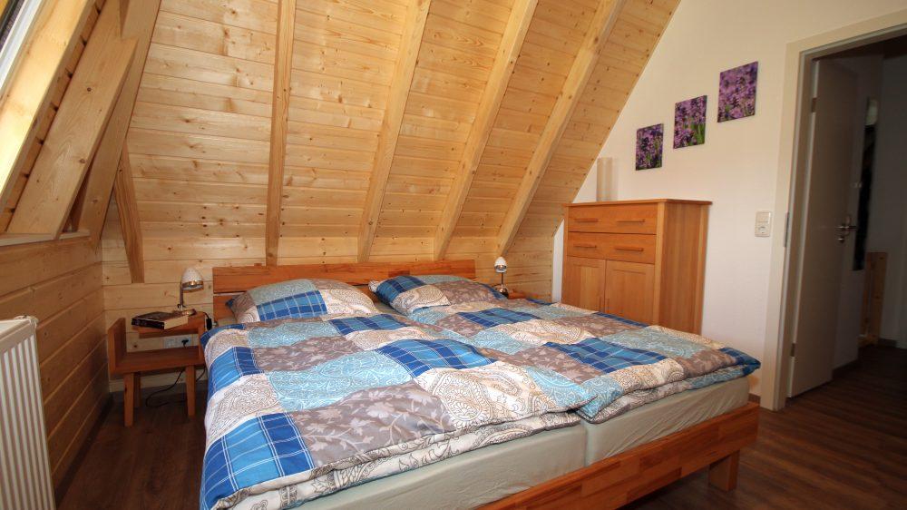 Ferienhaus Wiesenpieper - Schlafzimmer 1 oben