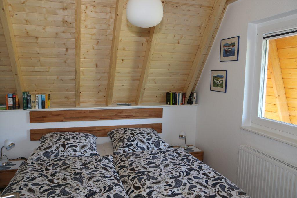 Ferienhaus Wiesenpieper - Schlafzimmer unten