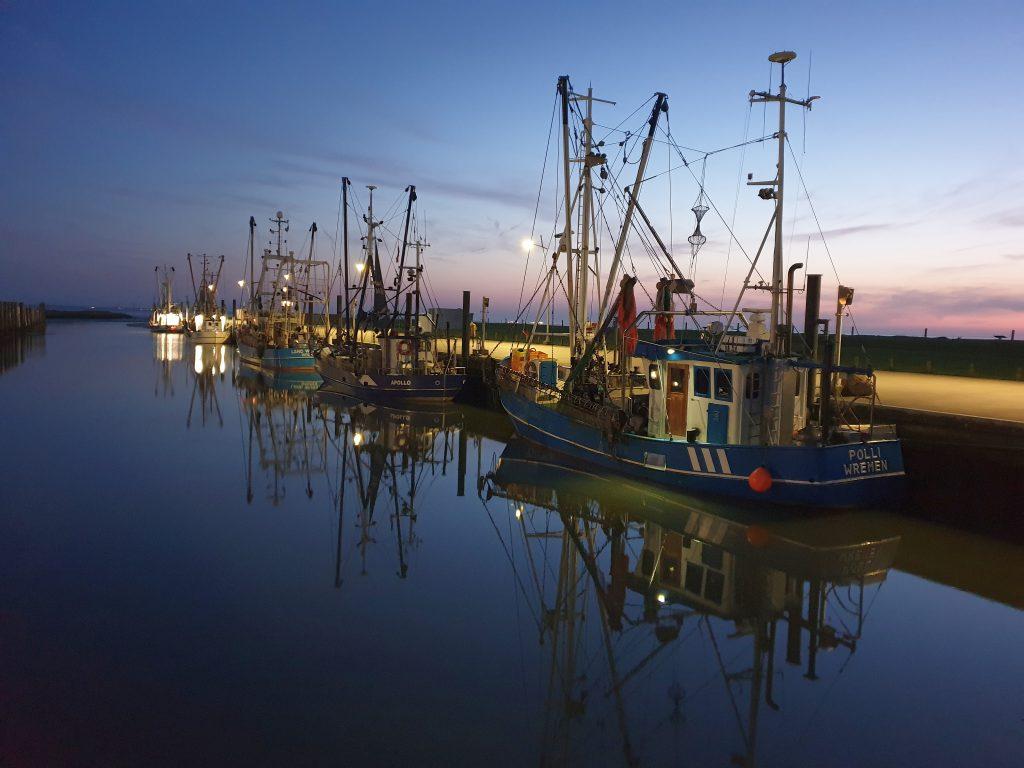 Kutterhafen bei Nacht Wremen