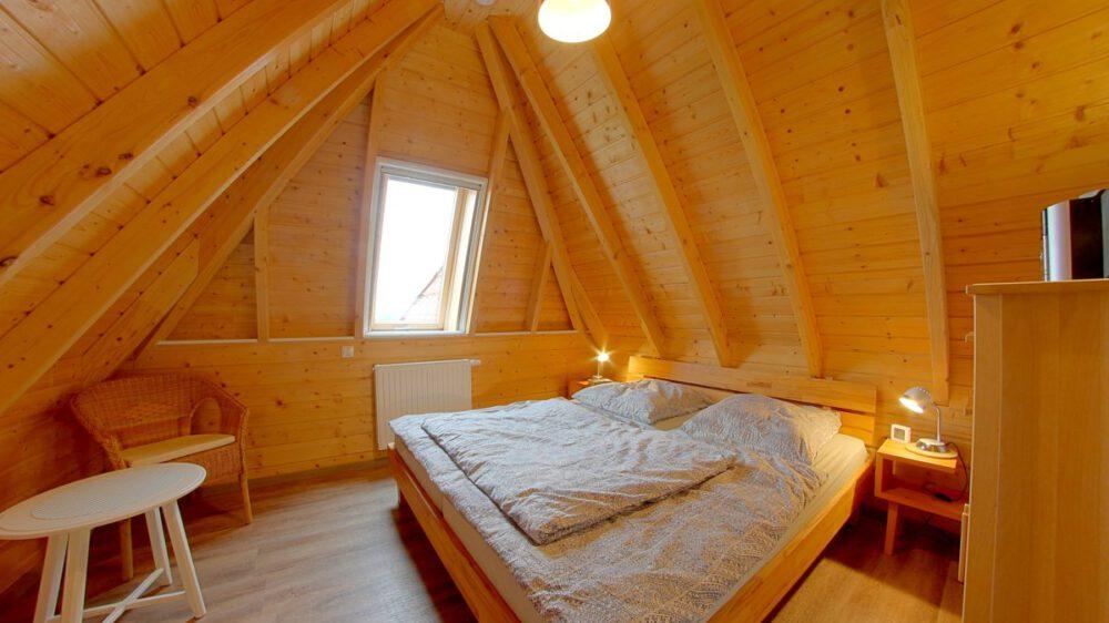 Ferienhaus Wiesenpieper - Schlafzimmer1 oben