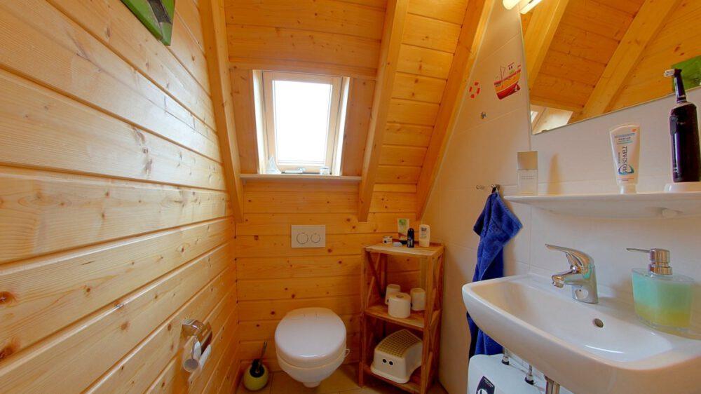 Ferienhaus Wiesenpieper - Bad oben